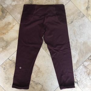 Lululemon maroon cuffed crop side accordion pleat